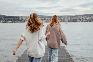 Skąd wziąć nowe przyjaźnie na emigracji i jak dbać o te stare?